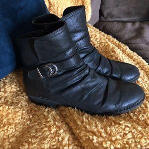 Baretraps Ysidora Black Ankle Boots 9.5M